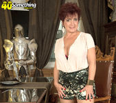 Jessica Hot - The Busty Divorcee Is Hot - 40 Something Mag 2