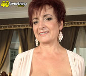 Jessica Hot - The Busty Divorcee Is Hot - 40 Something Mag 6
