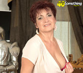 Jessica Hot - The Busty Divorcee Is Hot - 40 Something Mag 8
