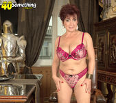Jessica Hot - The Busty Divorcee Is Hot - 40 Something Mag 14