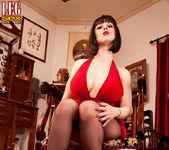 Larkin Love - Domme Dame - Leg Sex 2