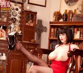Larkin Love - Domme Dame - Leg Sex 5