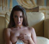 Lauren Louise - Unhooked - BreathTakers 12