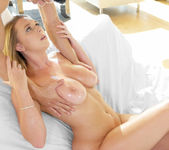 Brooke Wylde - Glistening Wet Double Ds - Passion HD 25