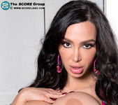 Amy Anderssen - Amy Loves Her 34gg Tits - ScoreLand 13