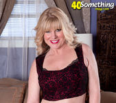 Dawn Jilling - Jack To Jilling - 40 Something Mag 5