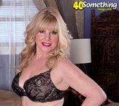 Dawn Jilling - Jack To Jilling - 40 Something Mag 8