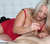 Milf Chloe - Spurting with Step Mom - Over 40 Handjobs 4