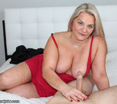 Milf Chloe - Spurting with Step Mom - Over 40 Handjobs 8