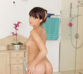 Suzy Rainbow - Bathing Babe - Nubiles 16