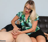 Vicky Vixxx: Sex Therapist Got Jizzed - Cum Blast City 3