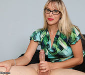 Vicky Vixxx: Sex Therapist Got Jizzed - Cum Blast City 6
