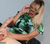 Vicky Vixxx: Sex Therapist Got Jizzed - Cum Blast City 9