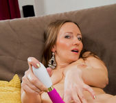 Solena - Toys And Tits - Anilos 14