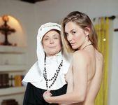 Nina Hartley, Mona Wales - Beg God for Forgiveness 2