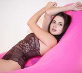 Pink Sofa - Aliana - Watch4Beauty 3