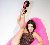 Pink Sofa - Aliana - Watch4Beauty 7