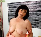 Busty mature amateur Kata fingers her older pussy 7