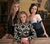 Jenna Sativa, Mona Wales, Kali Roses - The Family Business 2