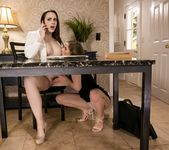 Chanel Preston, Sydney Cole - Lady Boss: Boom or Bust 7