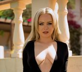Sara Louise Fresh Air - Skin Tight Glamour 7