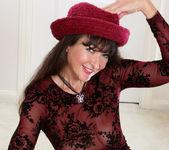 Belinda Brush - Pussy Show - Anilos 5