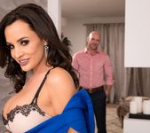 How To Date Glam, Busty MILF Lisa Ann - Evil Angel 3