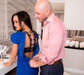 How To Date Glam, Busty MILF Lisa Ann - Evil Angel 4