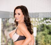 How To Date Glam, Busty MILF Lisa Ann - Evil Angel 24