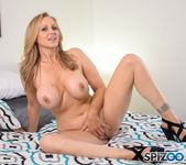 Julia Ann Real Sex Experience - Spizoo 3