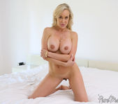 Brandi Love - Sexy Stepmother Plays Muse - Pure Mature 26