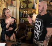Britney Amber - The Critic - Fantasy Massage 4