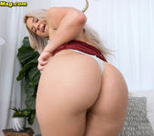 Rharri Rhound - Okie Booty - Naughty Mag 12