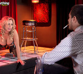 Busty MILF stripper Amber Lynn offers extras 2