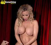 Busty MILF stripper Amber Lynn offers extras 9