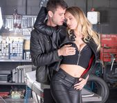 Biker chick Natalie Starr Wants Fuck & Anal - Private 6