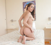 Lucia Nieto's wet dreams - CumLouder 2