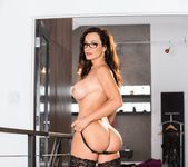 Lisa Ann: Anal Toys, Luxury Buttfuck - Evil Angel 3