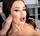 Lisa Ann: Anal Toys, Luxury Buttfuck - Evil Angel 15