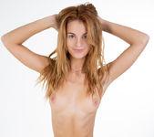 Leanne - Watch4Beauty 9