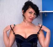 Helen He - Pinup Girl - Anilos 3