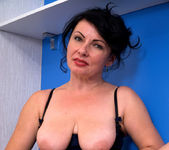 Helen He - Pinup Girl - Anilos 9