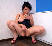Helen He - Pinup Girl - Anilos 11