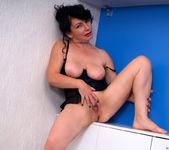 Helen He - Pinup Girl - Anilos 15