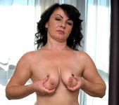 Helen He - Russian Beauty - Anilos 4