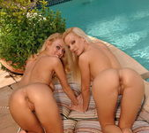 Lesbian Sex with Sandy & Anita Dark - Lezbo Honeys 15