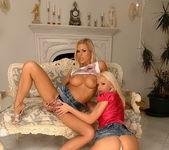 Horny Lesbians Wivien & Sun - Lezbo Honeys 4