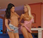 Clara G & Yulia Bright Licking Pussy - Lezbo Honeys 4