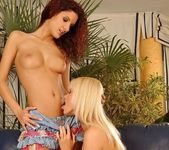 Sophie Paris & Leanna Sweet Lez Action - Lezbo Honeys 6