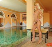 Corie - Magic Blondes 2